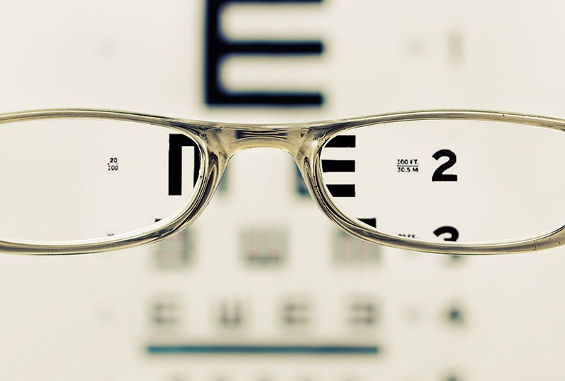 Dr's Slazus Ophthalmologists   How the eye changes with age